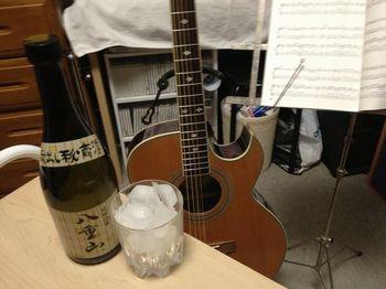 酒とギター.jpg